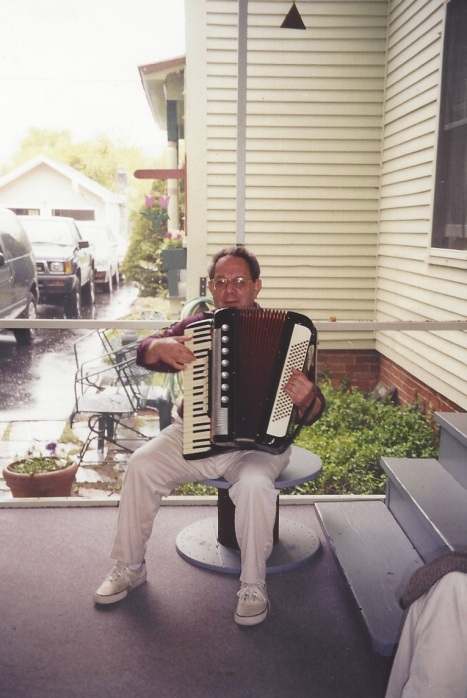 Len and his accordian