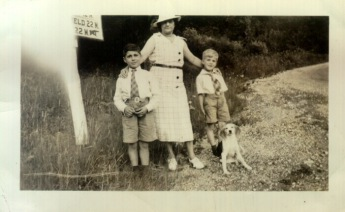 Aunt Josephine, Len, Richard and Dog